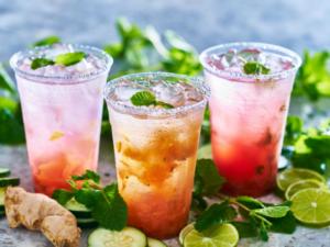 A nyár 7+1 leghűsítőbb ízesített vízei