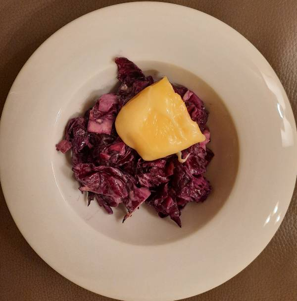 Nyers lilakáposzta saláta /vegán módon/